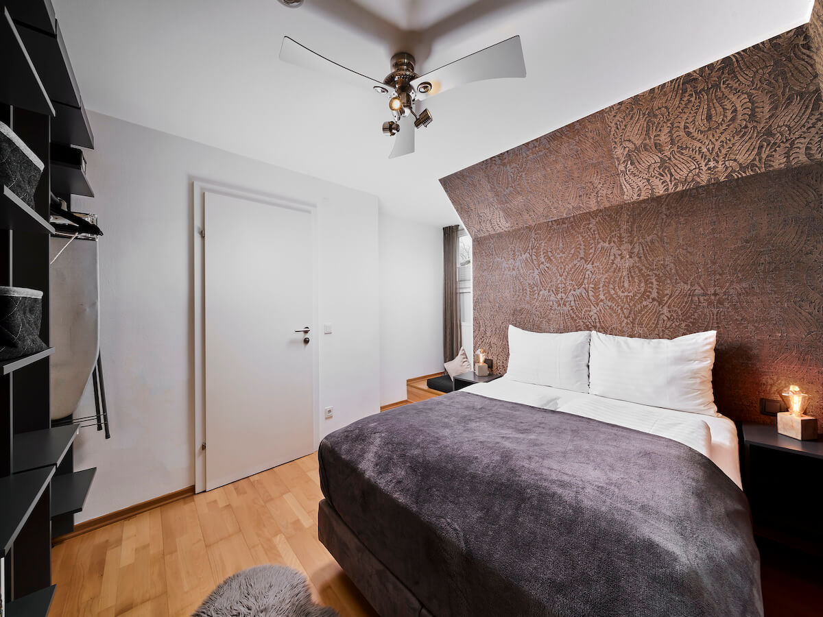M5_ONLY 1 BED_LJP7033